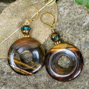 Handmade earrings with tiger eye